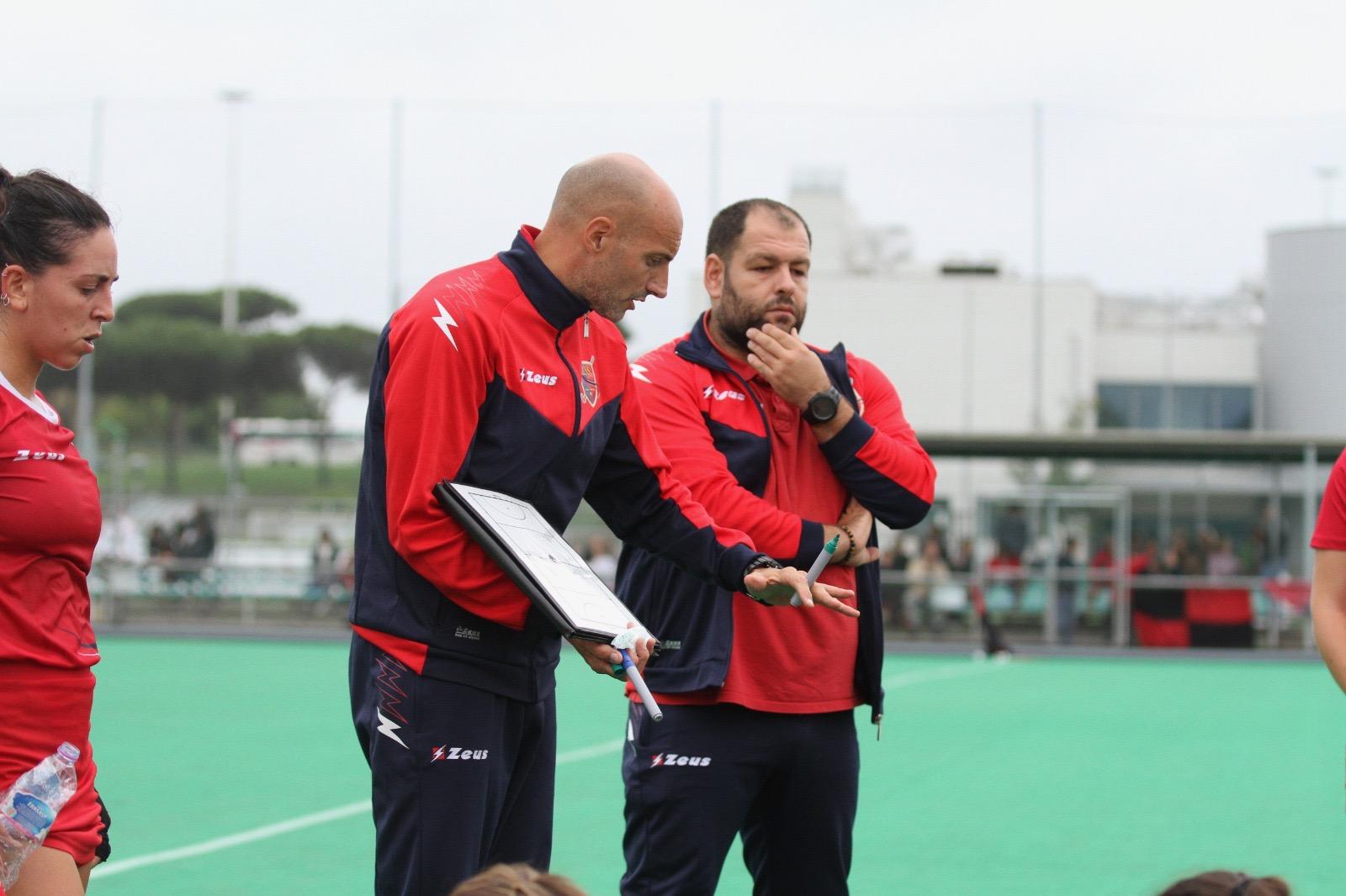 Il Coach Mongiano In Un Momento Dell'iintervallo